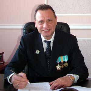 Көпір салушысы Александр Рязанов.