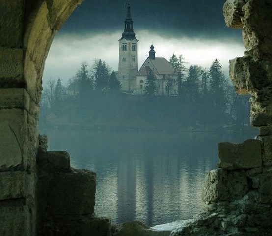"Dantebus - ""Fairy Tale"" Gec"
