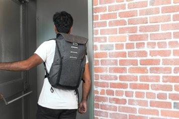 Sac peak design backpack everyday rempli