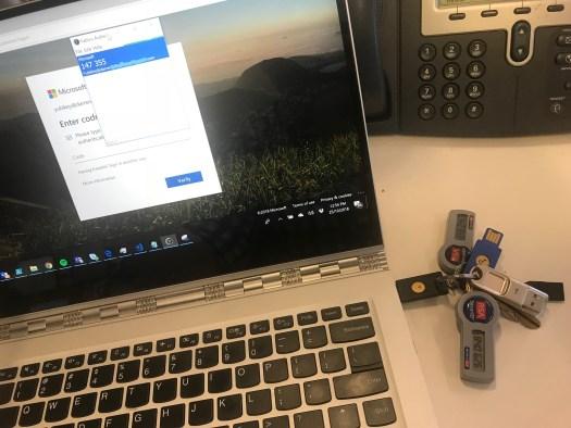 Laptop Yubikey Azure MFA.jpg