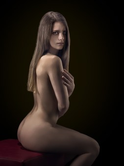 yndia-p1-nude-01