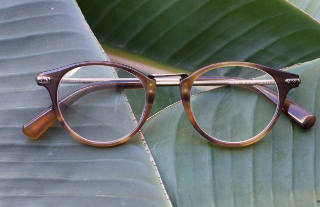 2018 eyewear style trends eyeglass trend wooden wood color