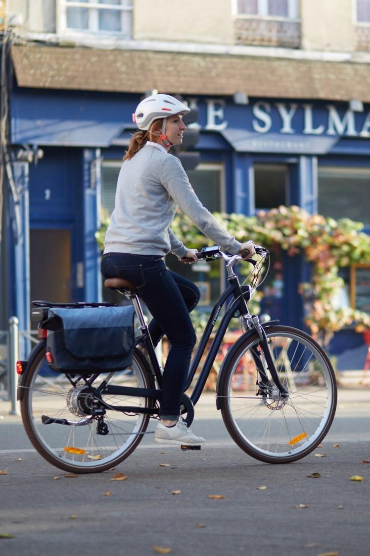 city-bike-helmet-500-white-004-expires-on-23-09-2020