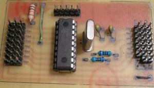 Placa base con oscilador e ICSP