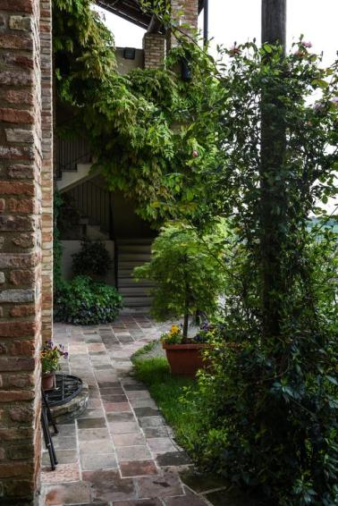 the gorgeous stone pathway at Cascina Rosengana, Cocconato Italy
