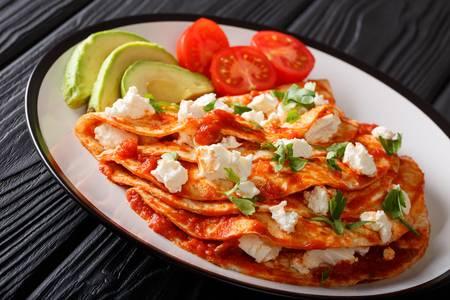 recetas de pollo con tortillas entomatadas