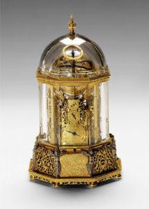 """Die sogenannte """"Wiener Kristalluhr"""", vermutlich von Jobst Bürgi, 1622/23. (Das Originalbild finden Sie <strong><a href=""""https://www.khm.at/de/objektdb/detail/87315/"""" target=""""_blank"""" rel=""""noopener noreferrer"""">hier</a></strong>.)"""