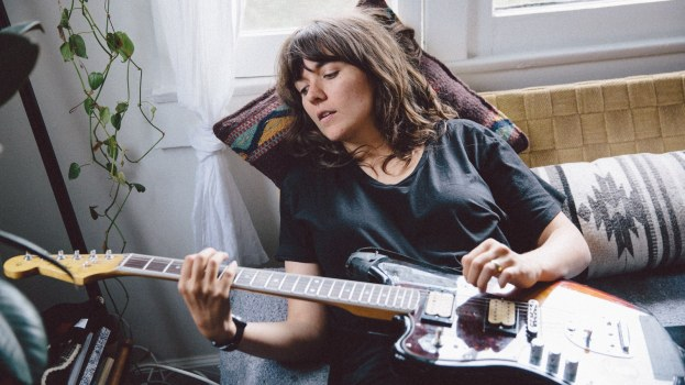 courtney-barnett-elizabeth-weinberg-05