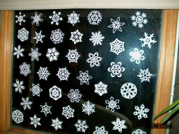 How to Make Paper Snowflakes Step 9