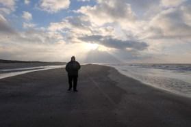 Lars allein am Strand....