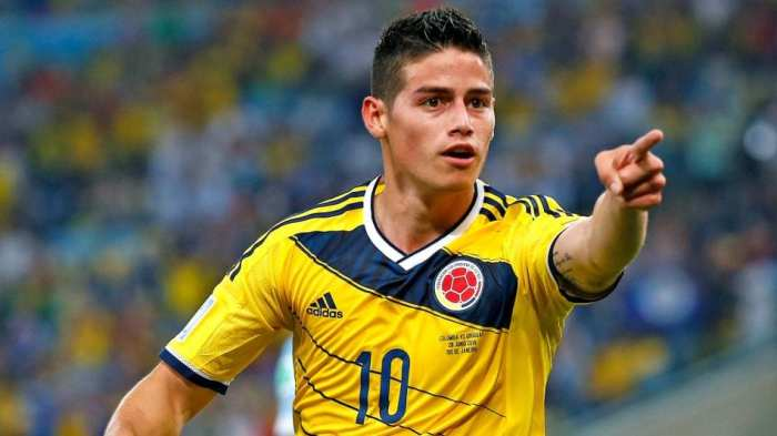 James Rodriguez engages with supporters on SelfSell