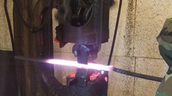 lon-humphrey-forging-a-blade-2
