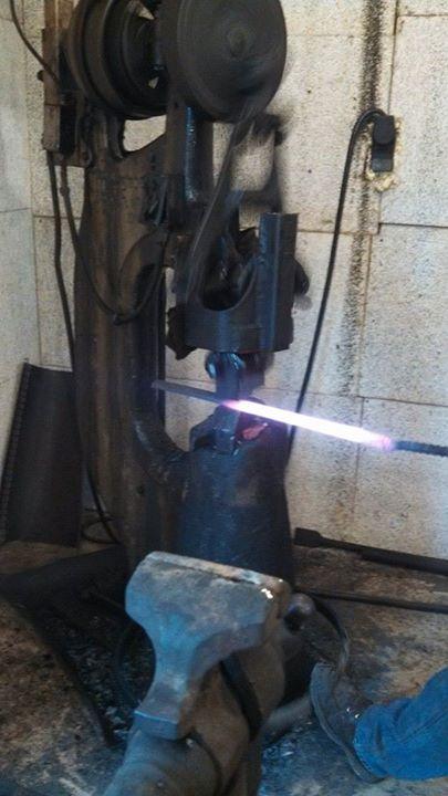 lon-humphrey-forging-a-blade-3