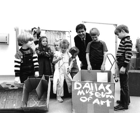 Director Harry S. Parker III with children in the Gateway Gallery, 1984 [Photographer: Tim Mickelson]