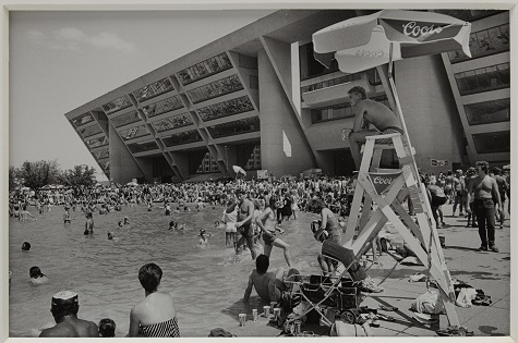 Lynn Lennon, Beach Party, Dallas City Hall, 1984, gelatin silver print, Dallas Museum of Art, Mr. and Mrs. Homer B. Jester Fund © 1984 Lynn Lennon