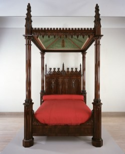 Crawford Riddell, Bedstead, c. 1844, Brazilian rosewood, tulip poplar, yellow pine, and polychromed textile, Dallas Museum of Art, gift of three anonymous donors, Friends of the Decorative Arts Fund, General Acquisitions Fund, Discretionary Decorative Arts Fund, and the Boshell Family Foundation 2000.324