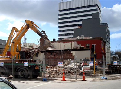Alvarados restaurant being demolished.
