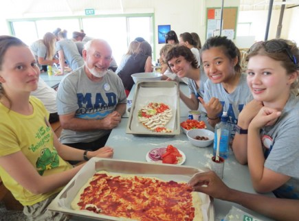The students make pizza.