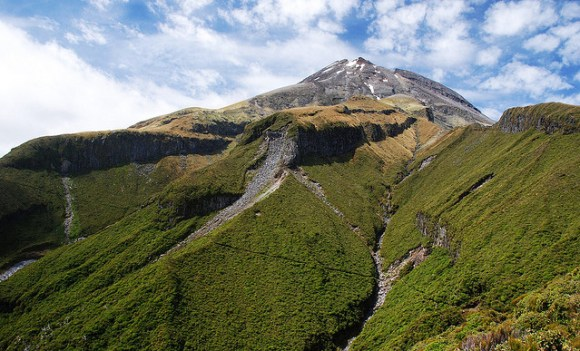 Track in the shadow of Mt Taranaki. Photo: Kathrin and Stefan Marks | CC BY-NC-ND 2.0.