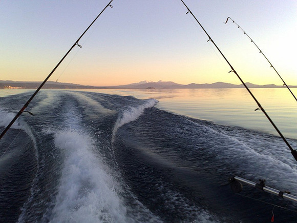 Fishing on Lake Taupo, New Zealand. Photo: Dino Borelli | CC BY-NC 2.0.