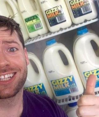 Paul McGee with Gizzy Milk.
