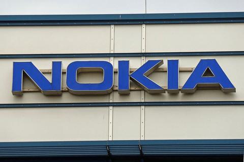 Los móviles Nokia volverán en 2016, si la serpiente les deja