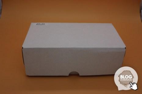 Un carton blanc