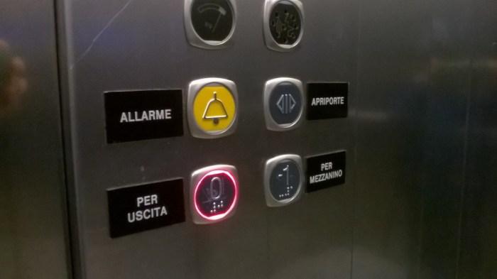 Immagine 4 - Interno ascensore Mezzanino