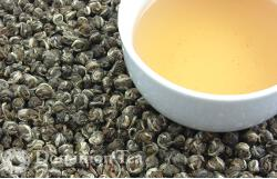 Jasmine Tea - Scented Green Tea and Liquor