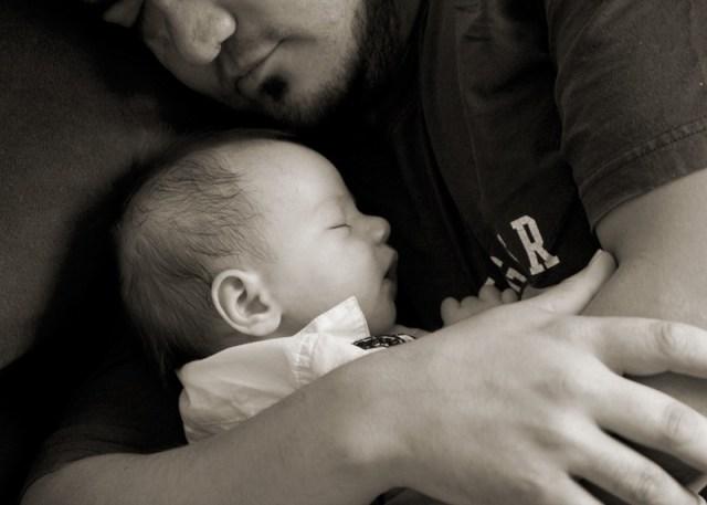 Knuffelen, het beste medicijn voor baby's