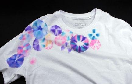 White t-shirt with circular dye patterns
