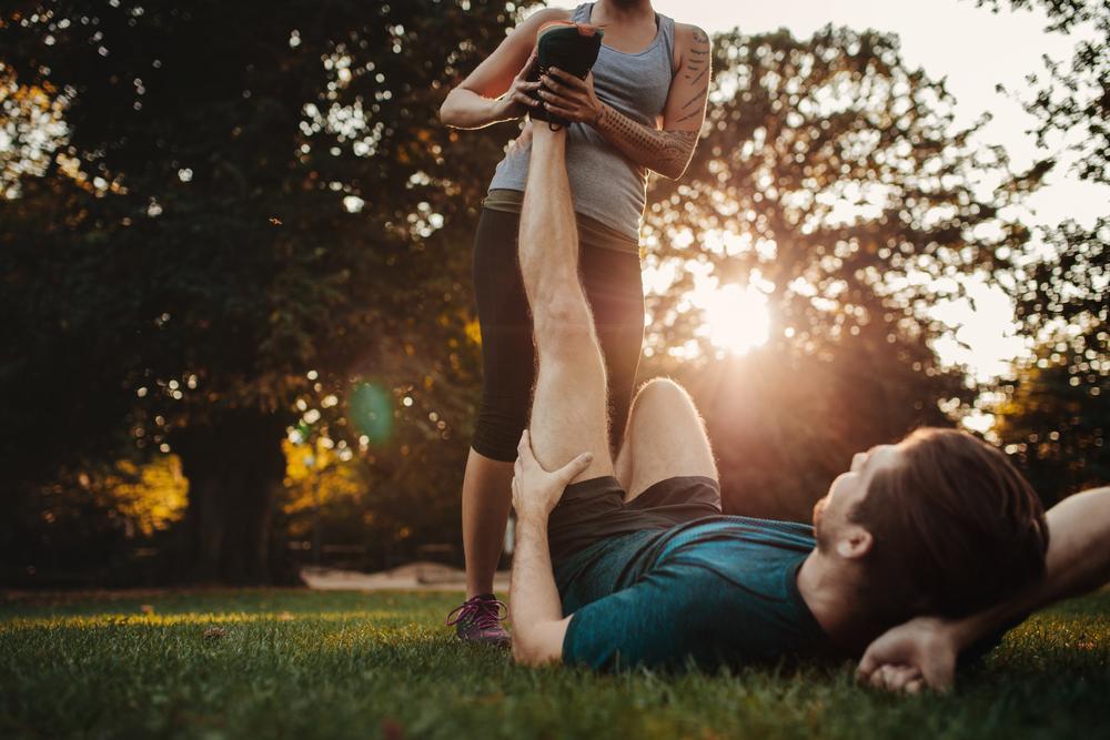 Dor nas costas e perna: saiba o que pode ser