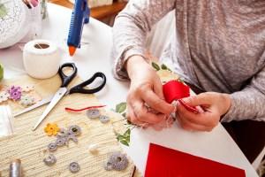 Artesanato e saúde: prática traz benefícios