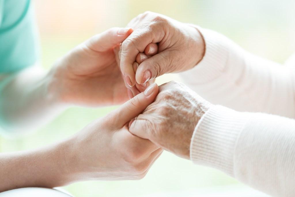 Mal de Parkinson: sintomas, diagnóstico e tratamento