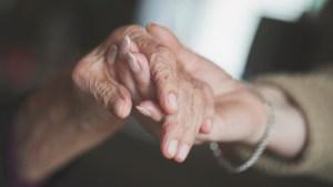 Doença de Alzheimer: como identificar os primeiros sinais?