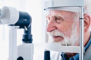Catarata: o que é, sintomas, tratamento e prevenção