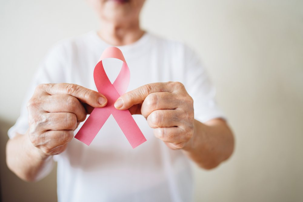 Outubro Rosa e a luta contra o câncer de mama