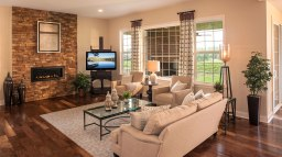 Ash Lawn family room