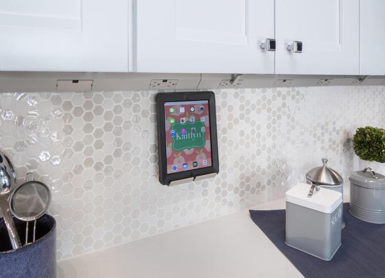 ESR-0001-00-1928B-kitchen-undercabinet