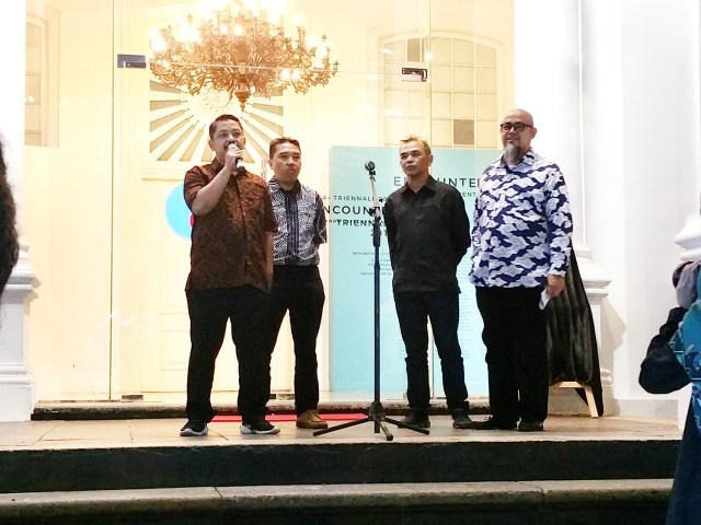 Our four curators! Rizki Zaelani, Asikin Hasan, Rikrik Kusmara and Badrolhisham Tahir giving a speech at opening night