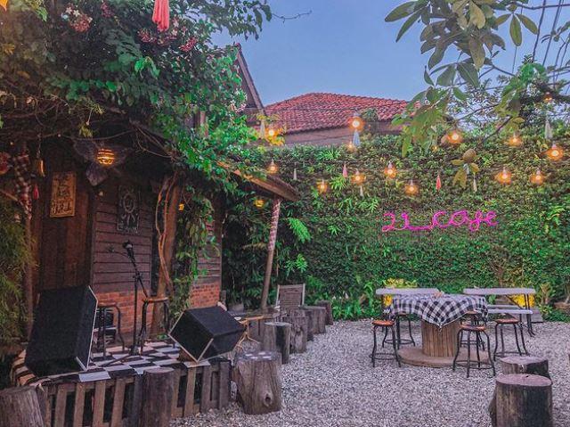 21 cafe via ig/21cafee ala tim duniamasak.com