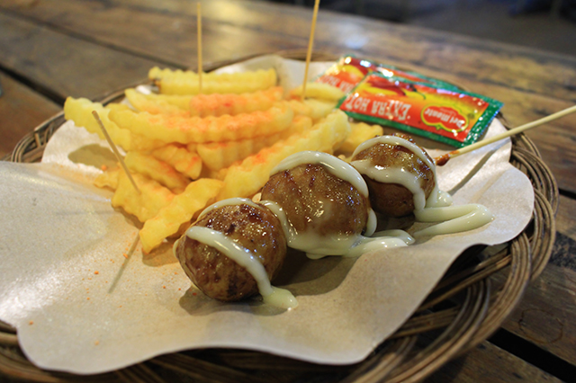 Bakso croot dan fried fries nge'meal yuk