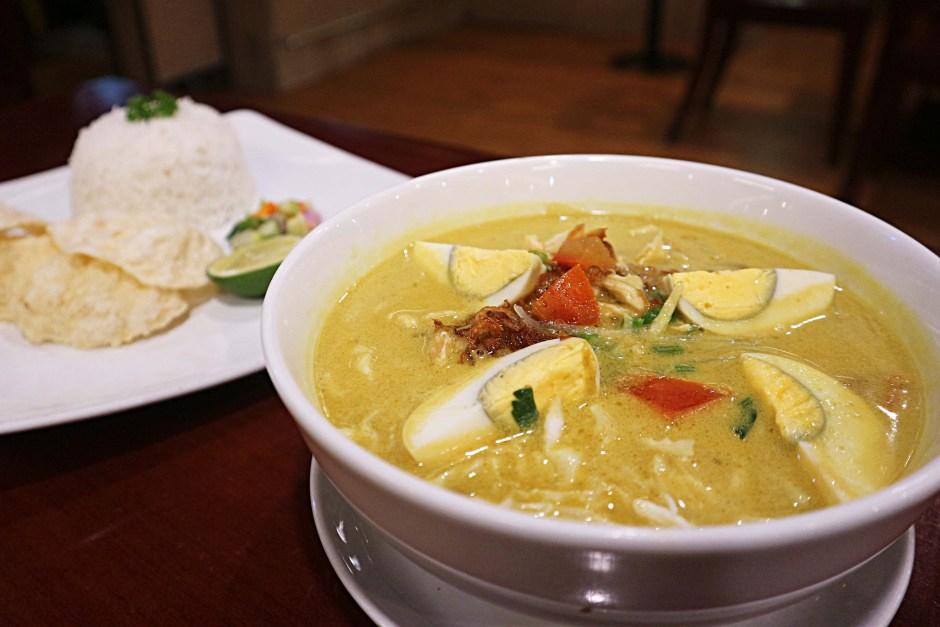 Soto Ayam via dok. Duniamasak.com