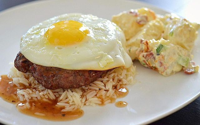 Loco Moco Hawaiian food via www.thespruce.com