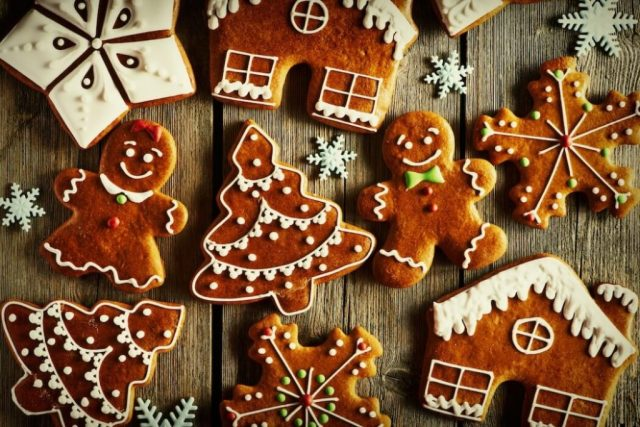 Kue Jahe Gingerbread via www.pepperscale.com