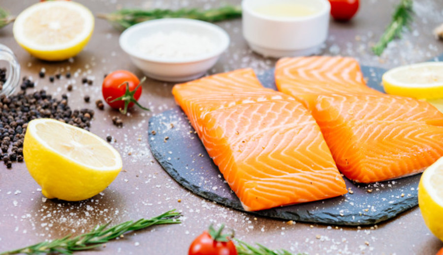 Ikan protein tinggi salmon via freepik ala tim duniamasak.com