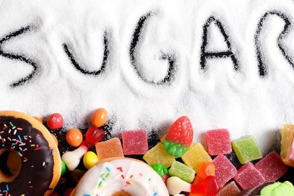 Gejala Kamu Terlalu Banyak Konsumsi Gula via oprah.com