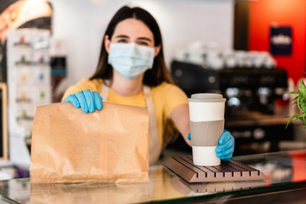 Layanan konsep bisnis makanan pandemi via freepik ala duniamasak