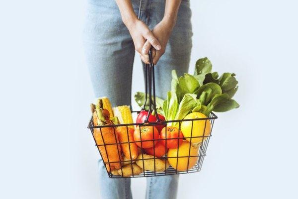 Buah atau Sayur: Makanan yang Sering via freepik ala tim duniamasak
