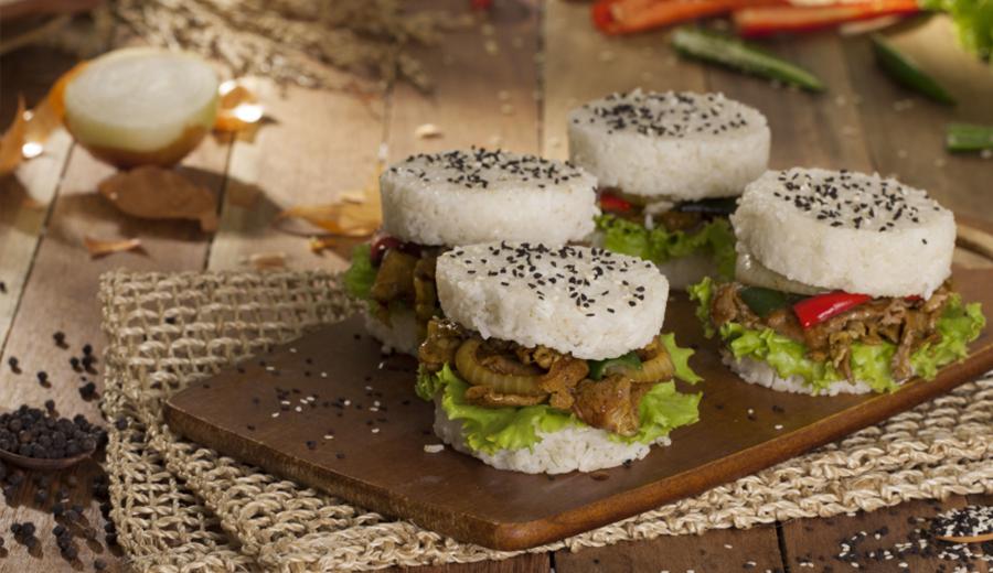 resep burger nasi ala duniamasak via royco.co.id